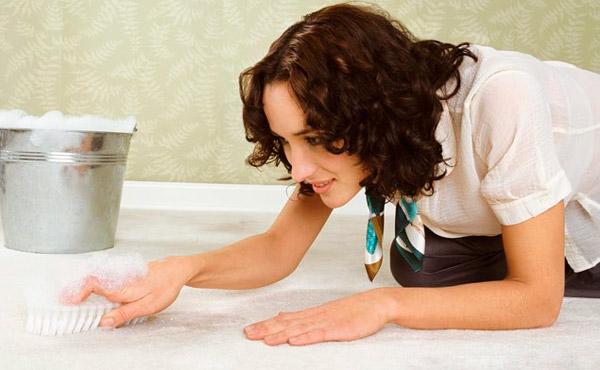 Как почистить ковер быстро и эффективно