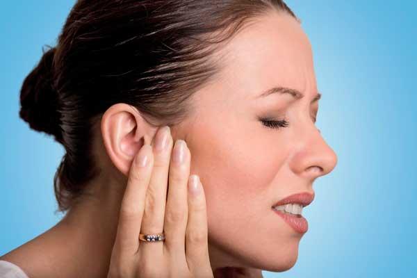 Болит ухо у взрослого что делать