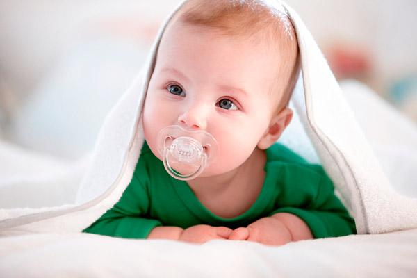 Как приучить ребенка к соске - пустышке