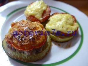 kabachki-zapechennye-v-duxovke-s-farshem-i-pomidorami (4)
