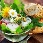 Салат из одуванчиков: польза или вред? Рецепт салата