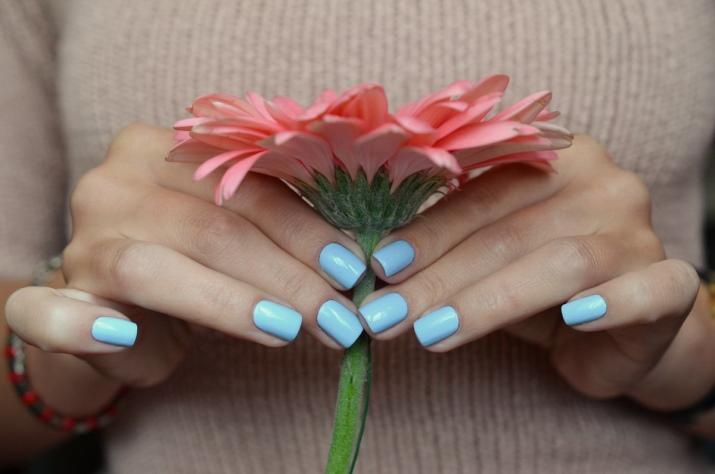 Почему трескается гель лак на ногтях?