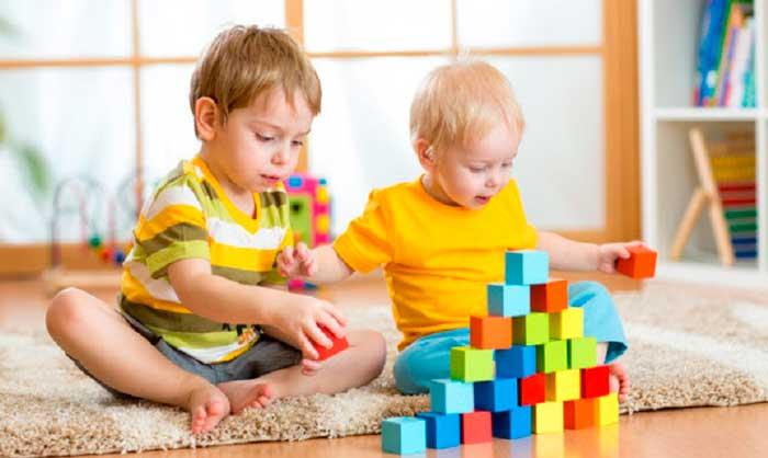 Какими видами можно занять ребенка в 2 года