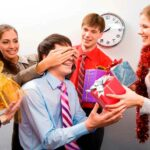 Новогодние поздравления 2020 коллегам по работе в стихах и прозе